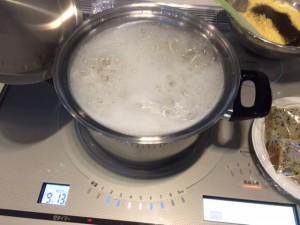 拭きこぼれる事無く無事に調理が終了しました。勿論、茹であがった御うどんを召し上がった事は言うまでもございません。